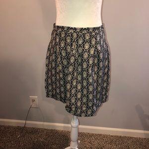 LOFT Print Black and White Skirt Size 4